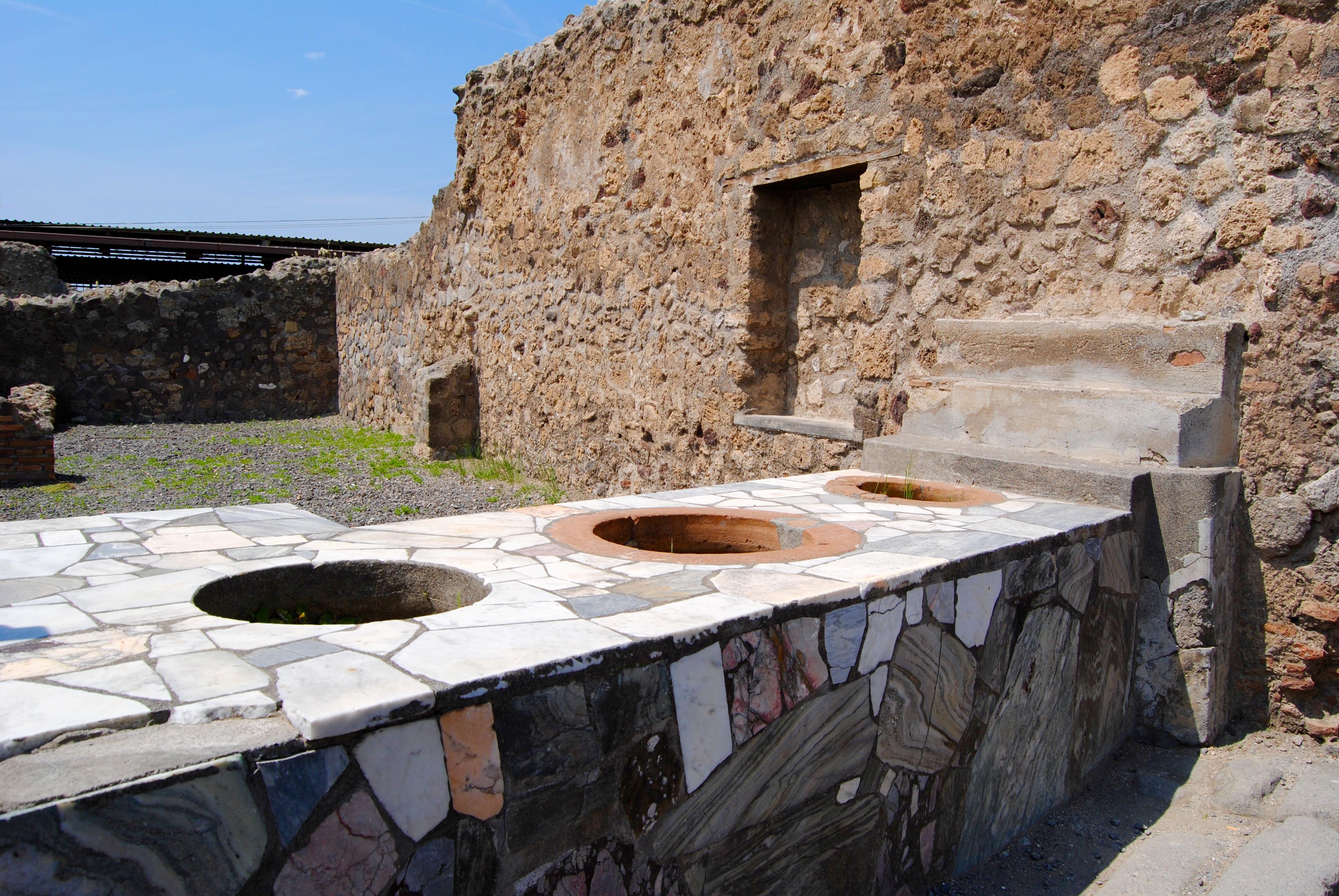 The wine bar, Pompeii style.